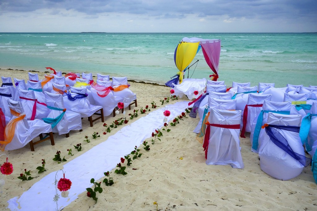 Beach Wedding LaughingRaven via Pixabay