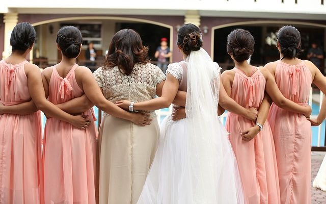 Mother of the Bride's Letter About Maid Of Honor Has Gone Viral for a Very Cringe-Worthy Reason