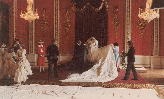 These Never-Before-Seen Wedding Photos of Prince Charles and Princess Diana Are Awesome, Look At #5!