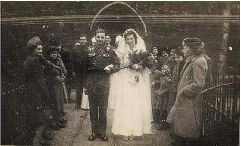 Jack and Phyllis Potter on their wedding day - February 20 1943
