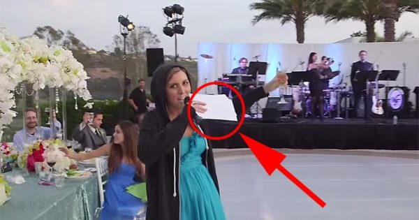 At First, It Looks Like A Normal Wedding Program, But When The Maid Of Honor Got The Mic, The Crowd Went Wild!